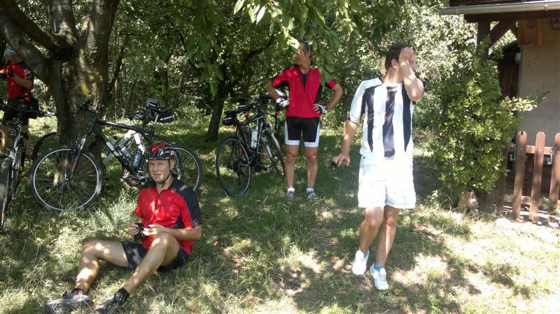 kolesarji-035-medium